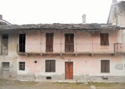 SAN GIORIO DI SUSA - CASEGGIATI SEMINDIPENDENTI IN CENTRO PAESE